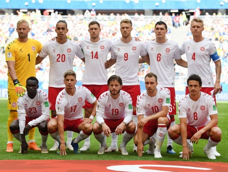 Denmark-2018-hummel-world-cup-away-kit-white-red-white-group-photo.jpg