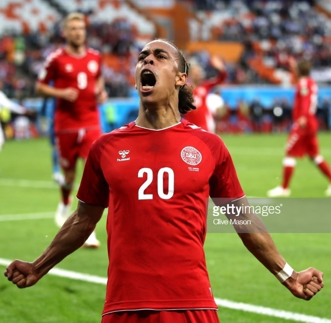 Denmark-2018-hummel-world-cup-home-kit-red-red-red-Yussuf-Poulsen.jpg