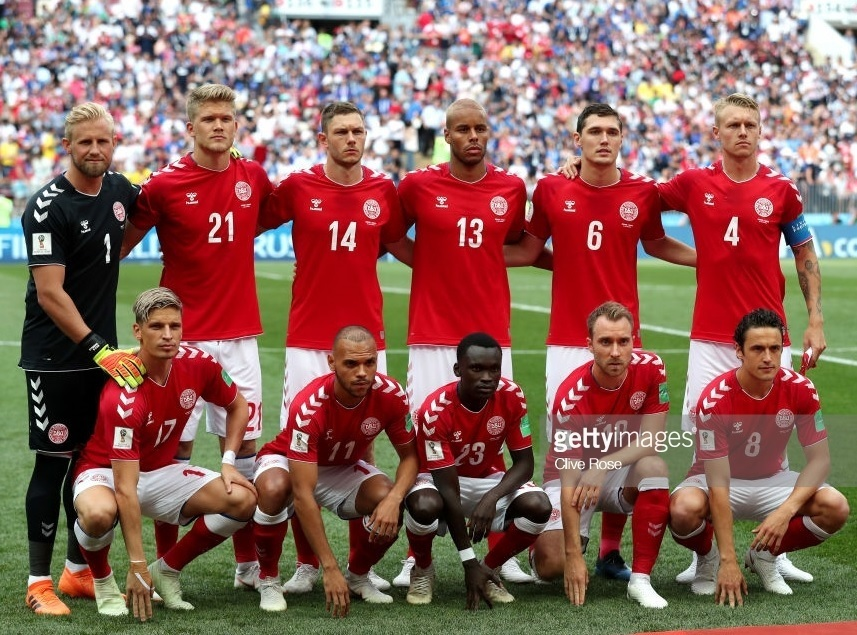 Denmark-2018-hummel-world-cup-home-kit-red-white-red-line-up.jpg