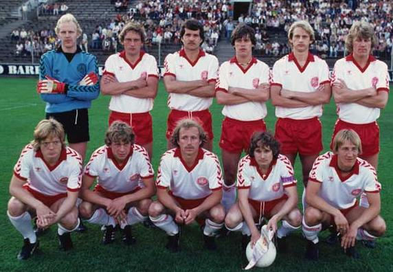 Denmark-78-79-hummel-away-kit-white-red-white-pose.JPG