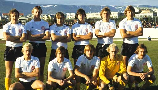Denmark-78-UMBRO-kit-white-black-yellow-pose.JPG