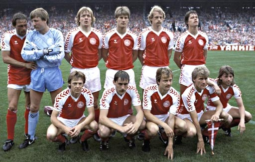 Denmark-84-85-hummel-home-kit-red-white-red-pose.JPG