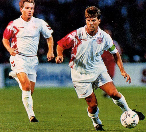 Denmark-94-95-hummel-away-kit-white-white-white.JPG