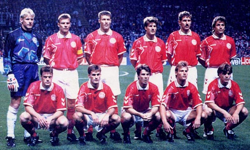 Denmark-94-95-hummel-home-kit-red-white-red-pose.JPG