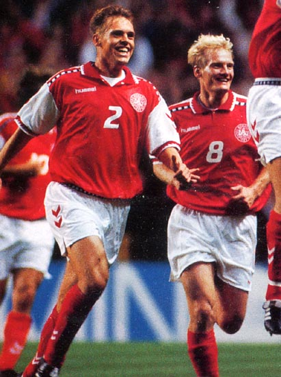 Denmark-96-97-hummel-home-kit-red-white-red.JPG