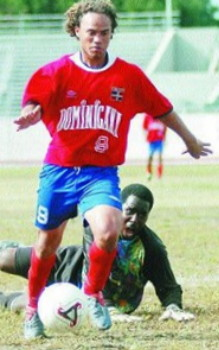 Dominican Republic-06-UMBRO-home-kit-red-blue-red.jpg
