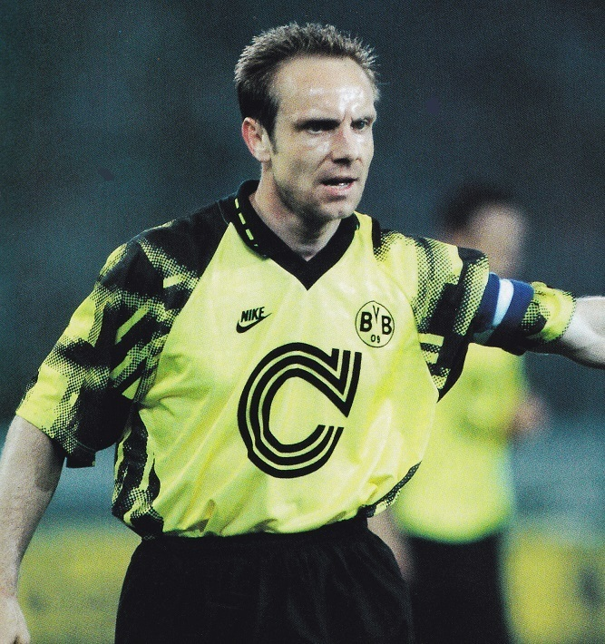 Dortmund-92-93-NIKE-home-kit-yellow-black-yellow-Karl-Heinz-Rummenigge.jpg
