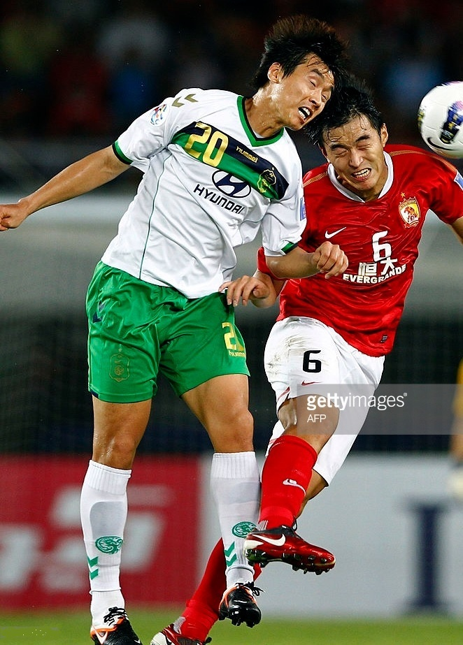 全北現代-2012-hummel-away-kit.jpg