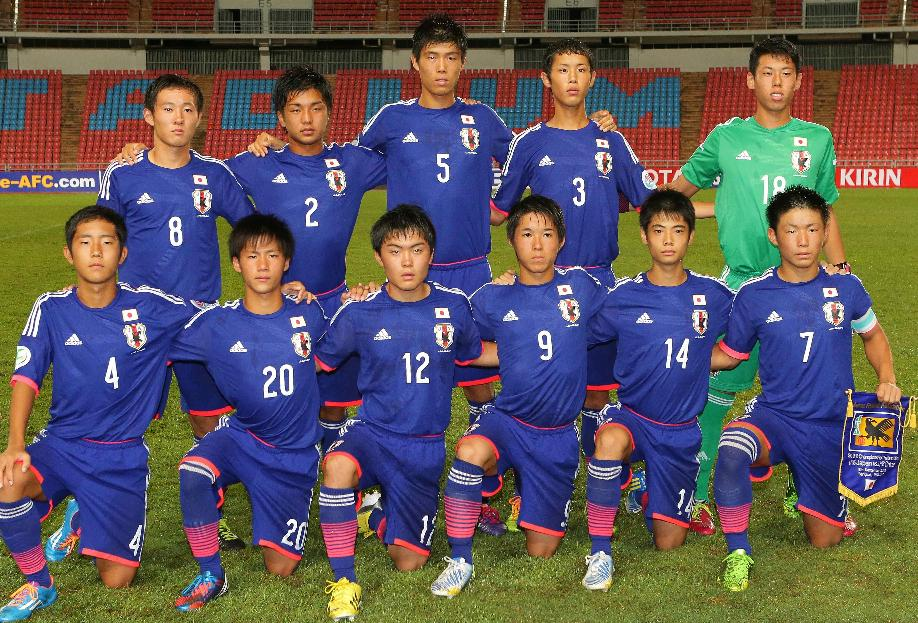日本代表-2014-adidas-U16-home-kit-blue-blue-blue-line-up.jpg
