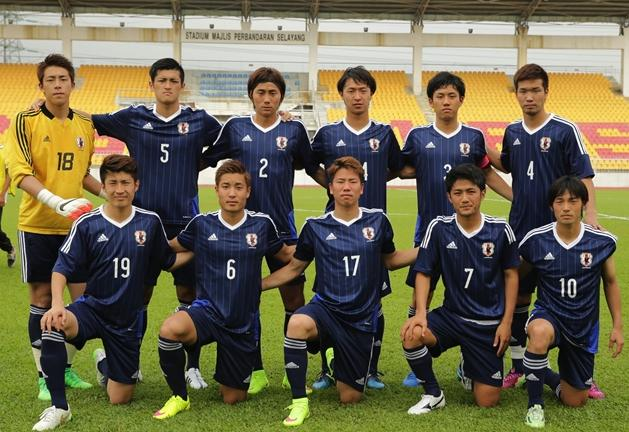 日本代表-2015-adidas-U22-training-kit-navy-navy-navy-line-up.jpg