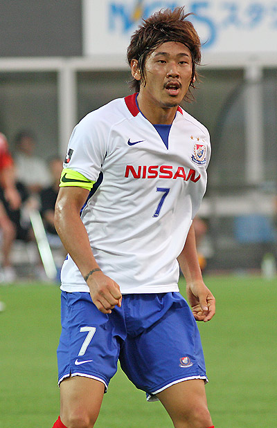 横浜F・マリノス-09-10-NIKE-second-kit-white-blue-white.jpg