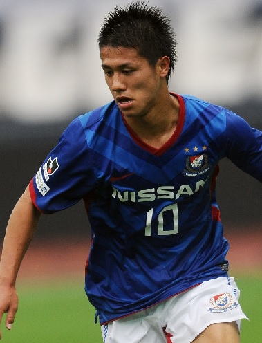 横浜F・マリノス-11-12-NIKE-first-kit-blue-white-red.jpg