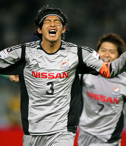 横浜F・マリノス-2005-adidas-second-kit-gray.jpg