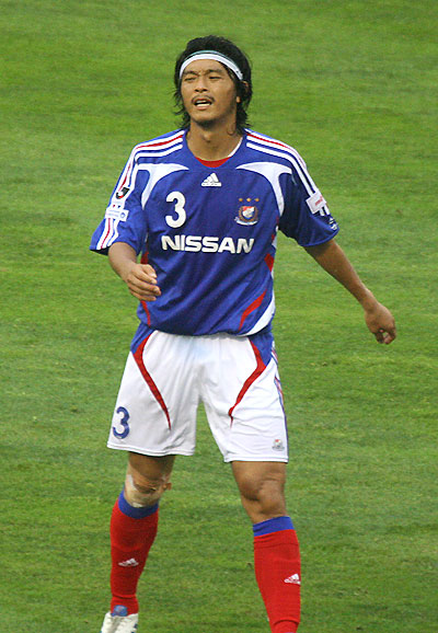 横浜F・マリノス-2007-adidas-first-kit-blue-white-red.jpg