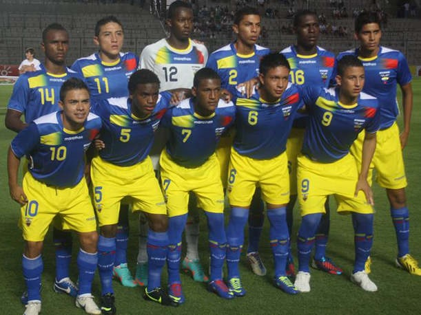 Ecuador-11-13-marathon-away-kit-blue-yellow-blue-line-up.jpg