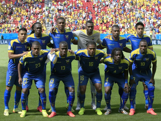 Ecuador-14-15-marathon-away-kit-blue-blue-blue-line-up.jpg