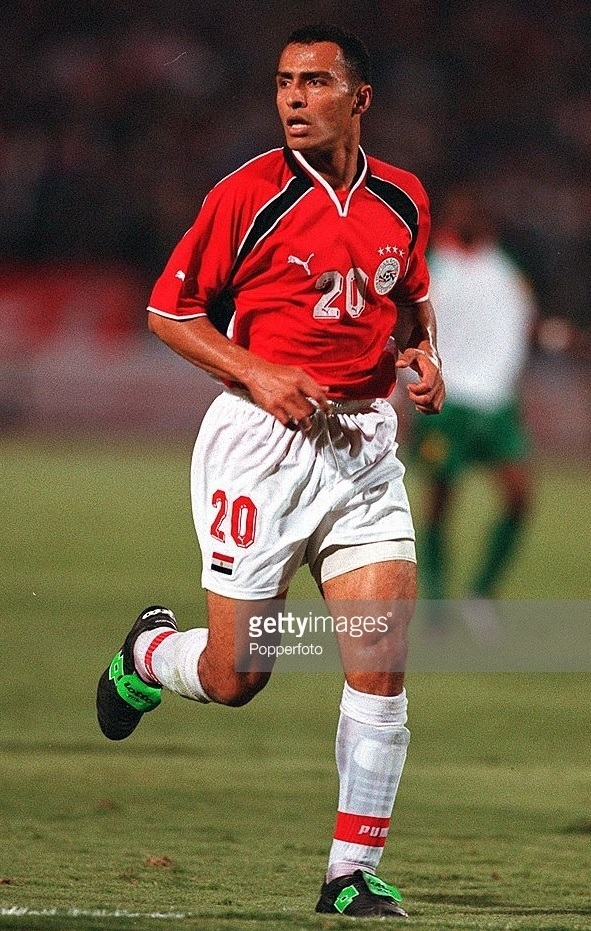 Egypt-2001-PUMA-home-kit-red-white-white.jpg