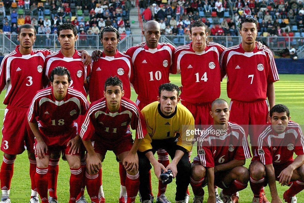 Egypt-2005-adidas-home-kit-red-red-red-line-up.jpg