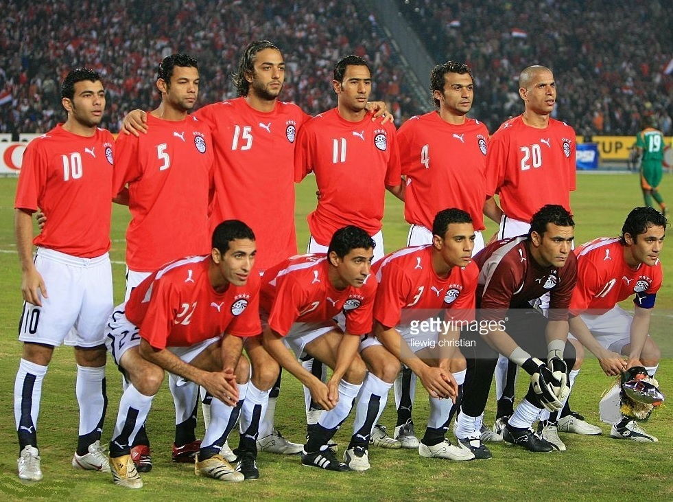 Egypt-2006-PUMA-home-kit-red-white-white-line-up.jpg