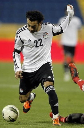 Egypt-2012-adidas-away-kit-white-black-black.jpg