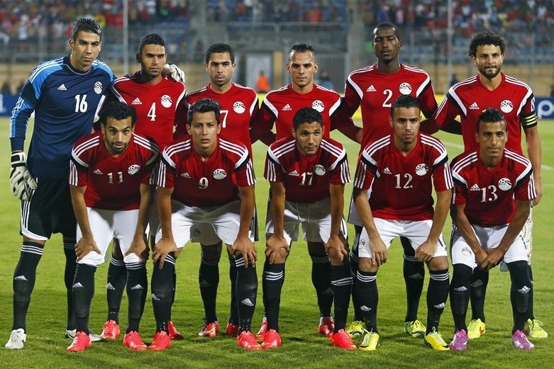 Egypt-2014-adidas-cup-of-nations-qualifier-home-kit-red-white-black-line-up.jpg