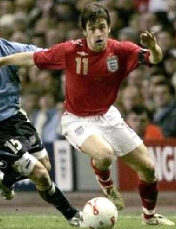 England-06-07-UMBRO-uniform-red-white-red-2.JPG