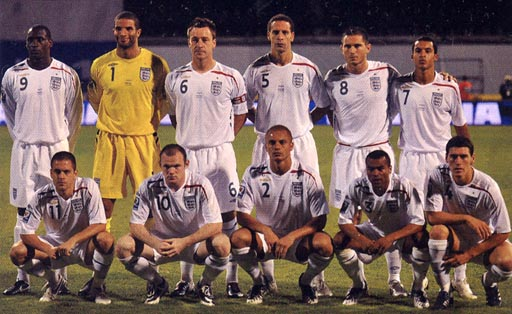 England-07-08-UMBRO-white-white-white-group.JPG