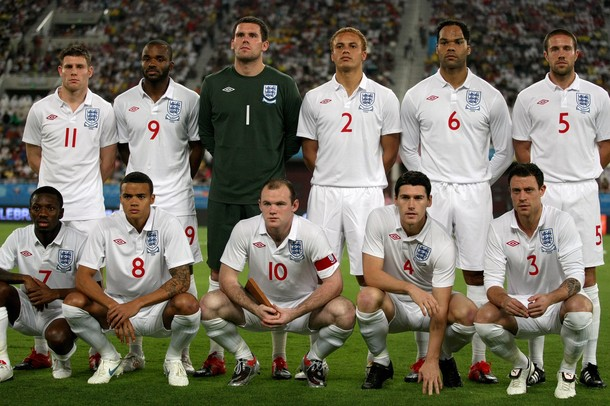 England-09-10-UMBRO-home-kit-white-white-white-line-up.jpg