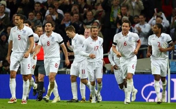 England-09-10-UMBRO-uniform-white-white-white-red-number-joy.JPG