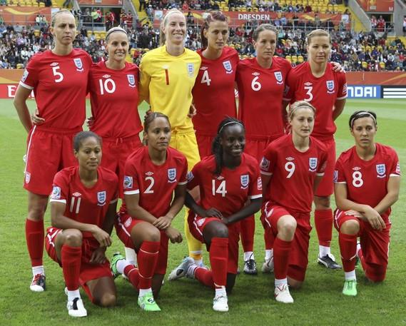 England-10-11-UMBRO-women-away-red-red-red-line up.JPG
