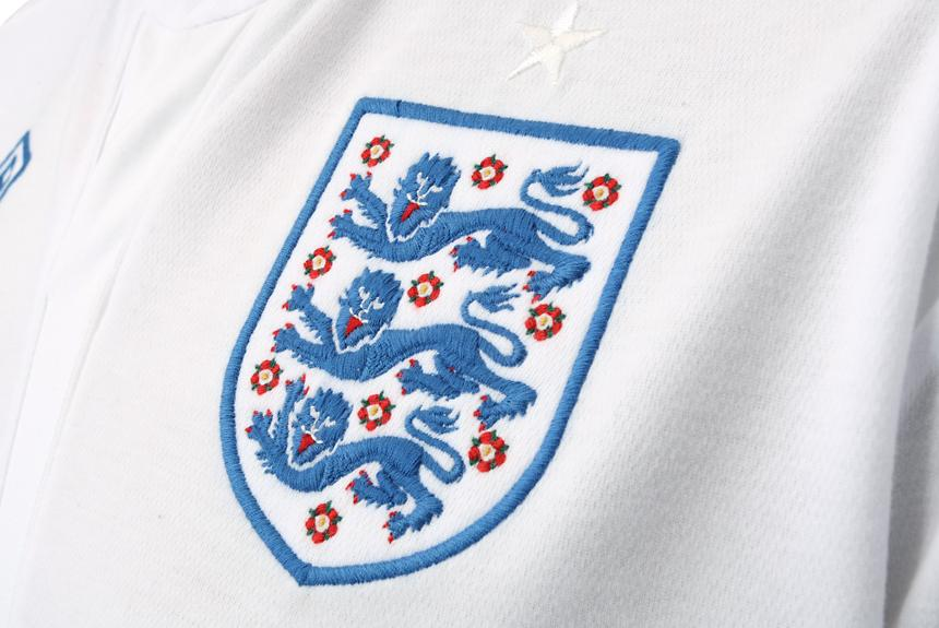 England-10-11-new-home-kit-3.JPG