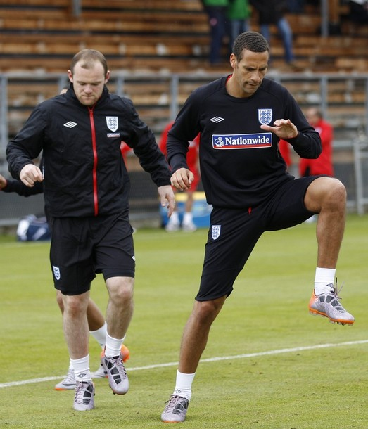 England-10-UMBRO-training-black.JPG