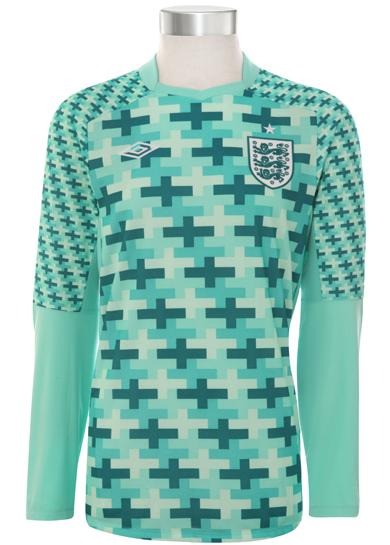 England-11-12-UMBRO-new-GK-shirt-1.JPG