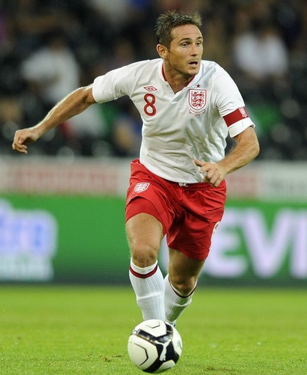 England-12-13-UMBRO-home-kit-white-red-white.jpg