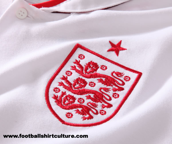 England-12-UMBRO-new-home-shirt-5.jpg