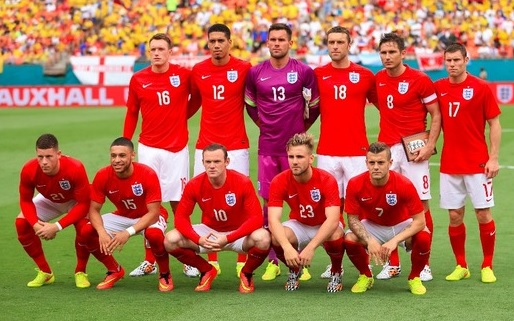 England-14-15-NIKE-away-kit-red-white-red-line-up.jpg
