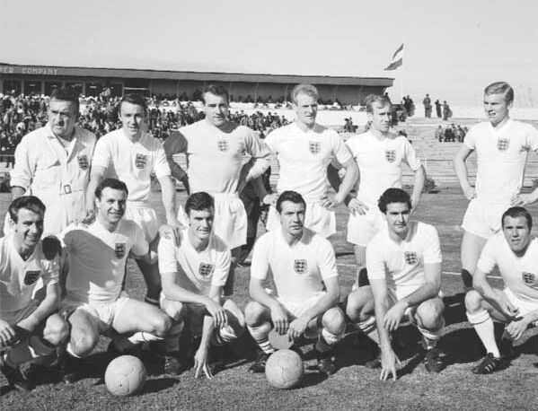 England-1962-world-cup-kit-white-white-white-line-up.jpg