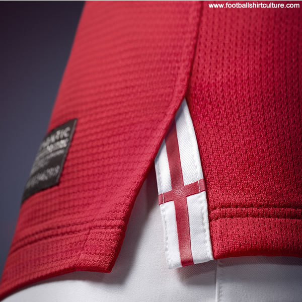 England-2013-NIKE-new-away-football-shirt-8.jpg