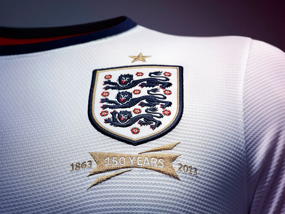 England-2013-NIKE-new-home-football-kit-33.jpg