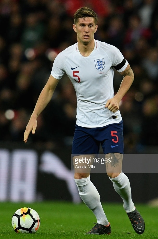 England-2018-NIKE-first-kit-white-navy-white.jpg