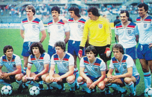 England-80-Admiral-home-kit-white-blue-white-line-up.jpg