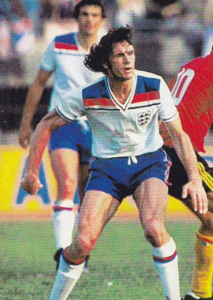England-80-Admiral-home-kit-white-blue-white.jpg