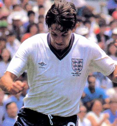 England-86-UMBRO-uniform-white-World Cup logo.JPG