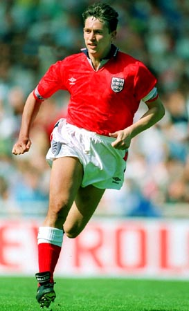 England-92-UMBRO-uniform-red-white-red.JPG