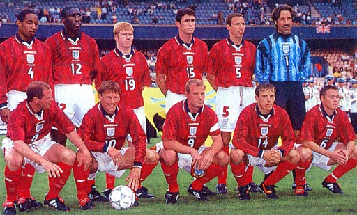 England-97-98-UMBRO-uniform-red-white-red-group.JPG
