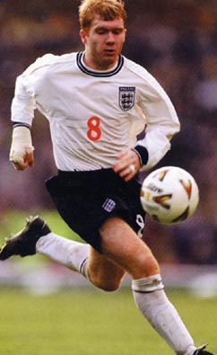 England-99-00-UMBRO-uniform-white-navy-white.JPG