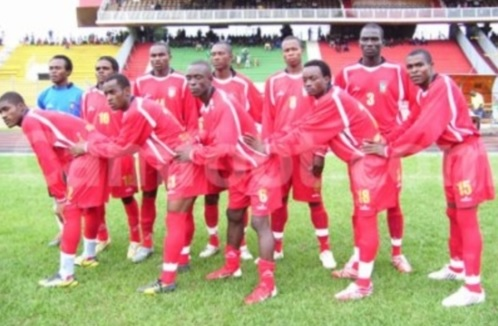 Equatorial-Guinea-07-unknown-home-kit-red-red-red-line-up-2.jpg