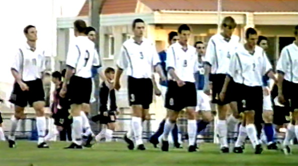 Estonia-00-01-NIKE-away-kit-white-black-white-line.jpg