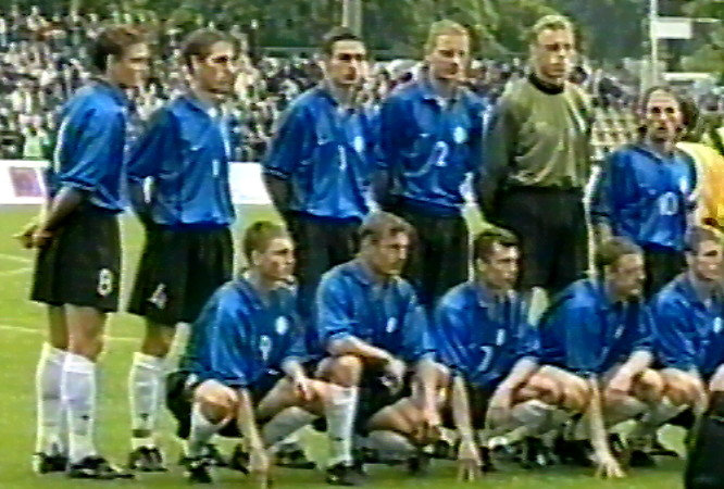 Estonia-00-01-NIKE-home-kit-blue-black-white-line-up.jpg