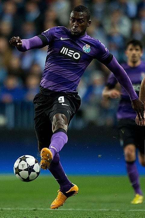 FC-Porto-2012-13-NIKE-away-kit.jpg